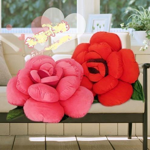Красивая подушка роза