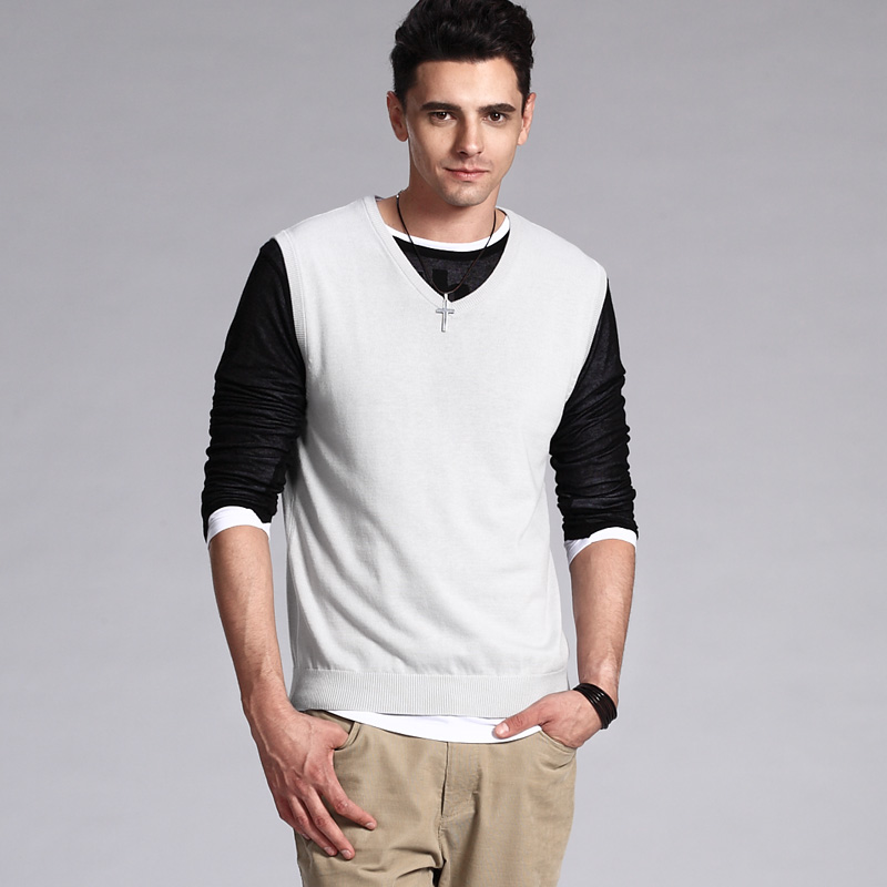 VANCL-Classic-Solid-Sweater-Vest-MEN-Light-Grey_6612508.bak.jpg ...