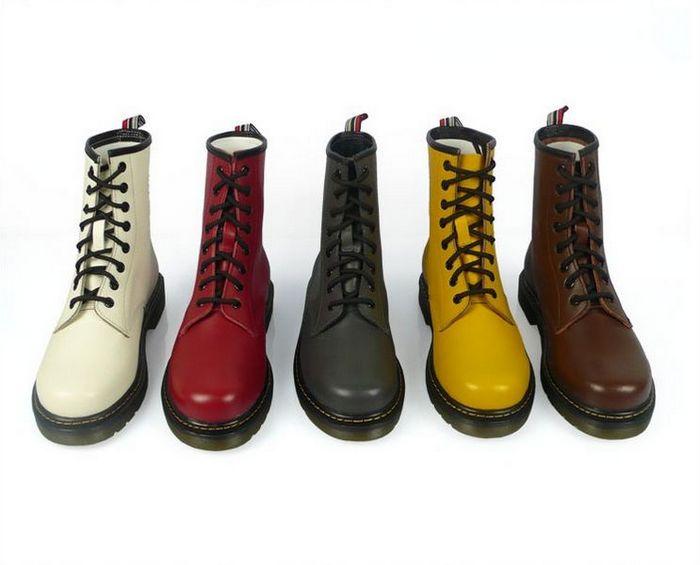 Womens Dr. Martens Shoreditch Boot (Cherry Red) KMNL718 - $60.00