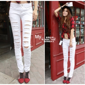 Black and white jeans women – Global fashion jeans collection