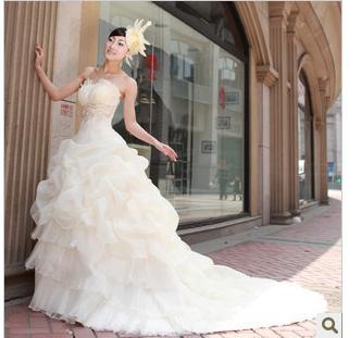 Trouwjurk Lange Sleep.Trouwjurk Traifrom De Brideling Huwelijk Gaas 2011 Groothandel