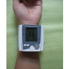 Free shipping travelling blood pressure and heart beat meter LCD Display 10pcs in bales