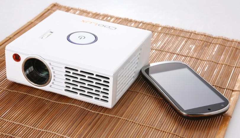 Smallest 3m 100gb portable projector hdmi with 1024 768 for Portable projector with hdmi input